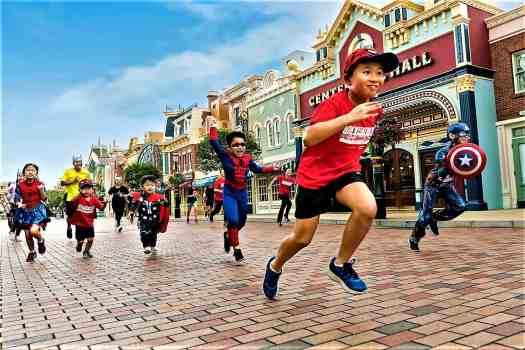 image-of-children-running-at-10K-disneyland-marathon