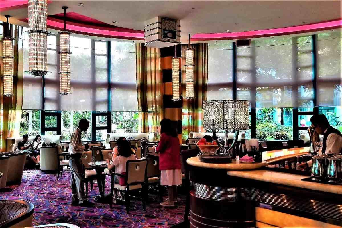 Hong Kong Restaurant Review Enchanted Garden At The Disneyland
