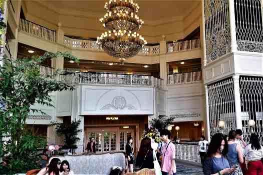 image-of-hong-kong-disneyland-hotel-main-lobby