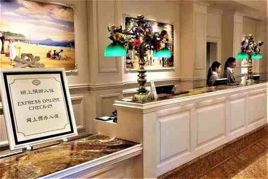 image-of-hong-kong-disneyland-hotel-front-desk