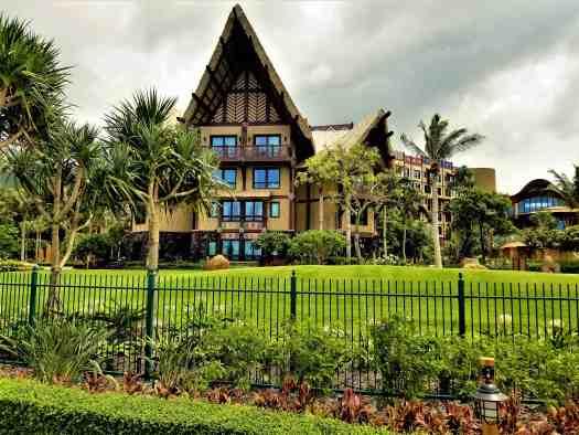 image-of-explorers-lodge-hong-kong-disneyland-hotel-exterior