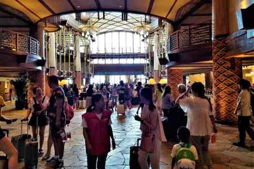 image-of-explorers-lodge-hong-kong-disneyland-hotel-lobby