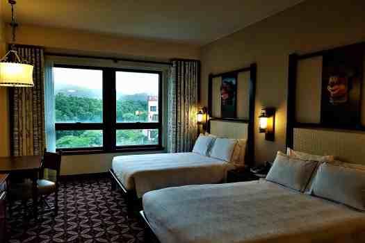 image-of-explorers-lodge-hong-kong-disneyland-hotel-room