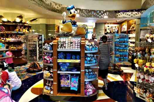 image-of-celebrity-gifts-souvenir-shop-at-disney-hotel