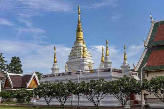 image-of-chet-yot-buddhist-temple-chiang-rai-thailand