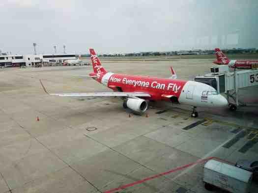 image-of-bangkok-don-mueang-international-airport-domestic-terminal-airasia-airplane-at-gate