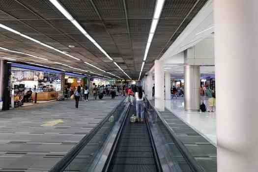image-of-bangkok-don-mueang-international-airport-domestic-terminal-moving-sidewalk