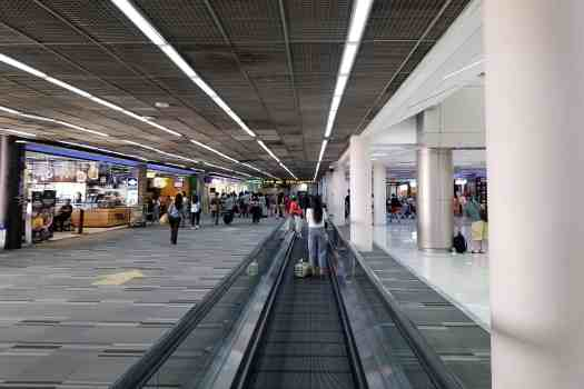 image-of-bangkok-don-mueang-international-airport-domestic-terminal-moving-sidewalk