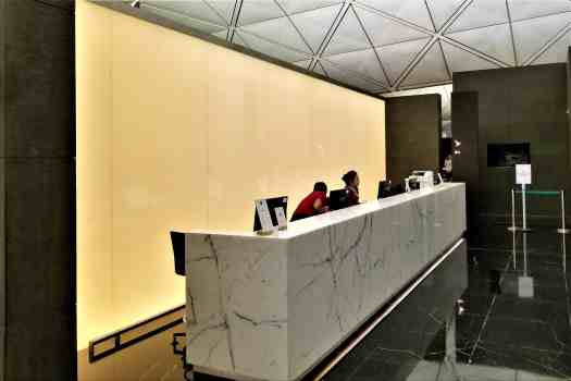 70daa-hkia-cx-business-class-class-lounge-8.jpg