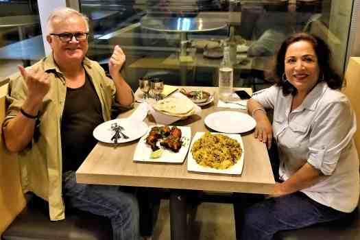 image-of-diners-at-san-francisco-pakwan-pakistani-indian-restaurant