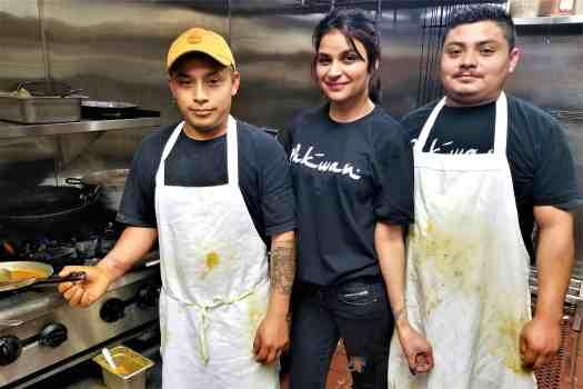 image-of-staff-at-san-francisco-pakwan-pakistani-indian-restaurant