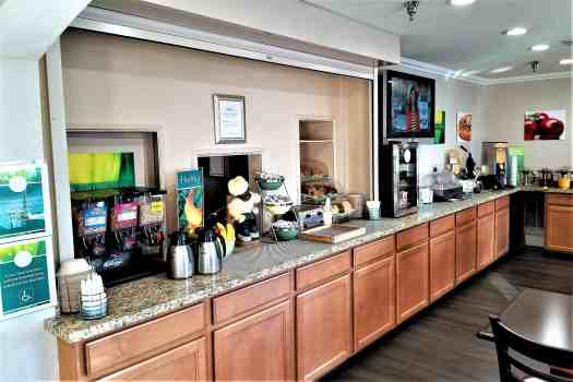 image-of-quality-inn-&-suites-south-san-francisco-breakfast-buffet