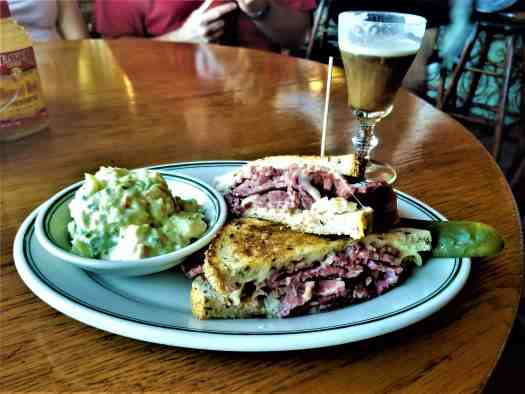 image-of-reuben-sandwich