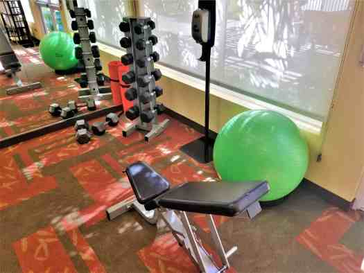 image-of-courtyard-marriott-sacramento-cal-exp-fitness-room-free-weights