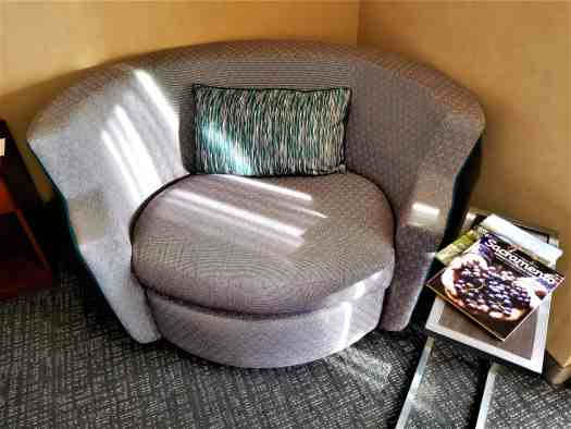image-of-courtyard-marriott-sacramento-cal-exp-sofa-day-bed