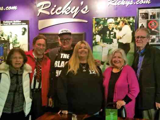 image-of-rickys-sports-theatre-and-grill-fans