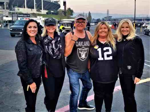 oakland-raider-fans-in-parking-lot