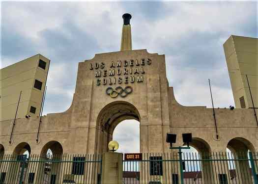 los angeles memorial coliseum football stadium