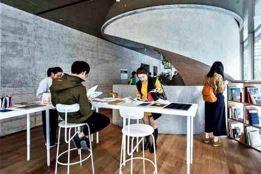 hkg-tai-kwan-artists-book-library-2.jpeg