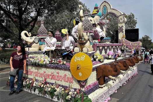 chiang-mai-flower-festival-parade
