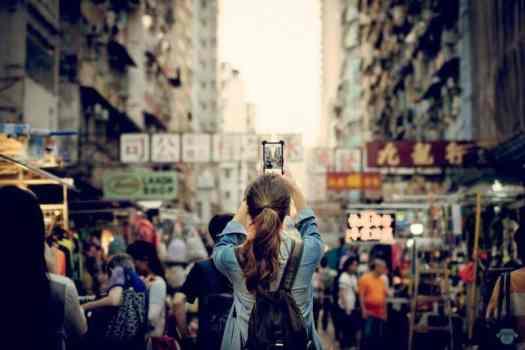 photograph-of-working-class-neighborhood-in-hong-kong