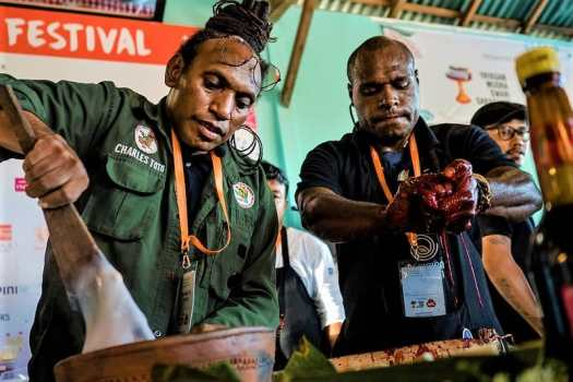 jungle-chef-Charles-Too-at-balil-ubud-food-festival