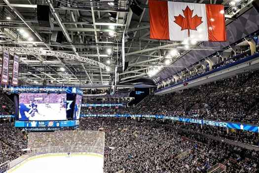 canada-toronto-ice-hockey-game-tourismtoronto