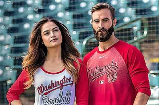 fans-wearing-washington-nationals-jerseys.
