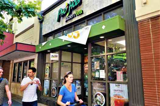 vietnamese-noodle-shop-on-castro-street-in-downtown-mountain-view-california