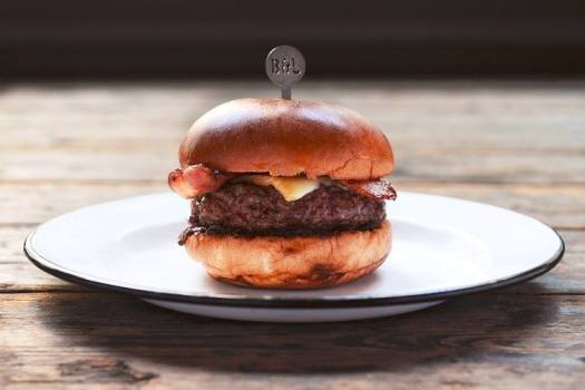 cheese-burger-with-bacon-from-beef-and-liberty-hong-kong