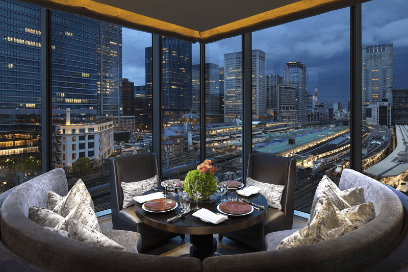 motif-restaurant-and-bar-at-four-seasons-tokyo
