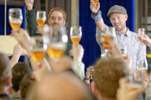 toasting-speedbird-craft-beer