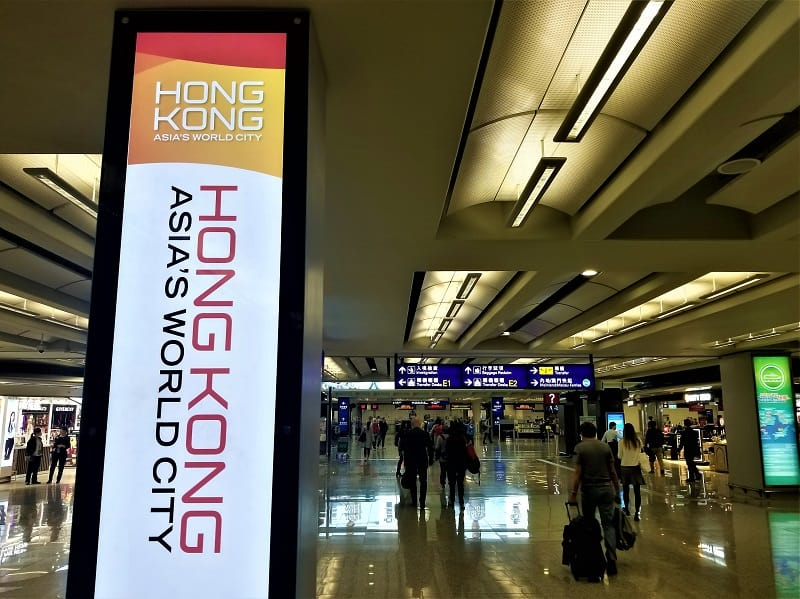 sign-in-arrival-hall-at-hong-kong-international-airport