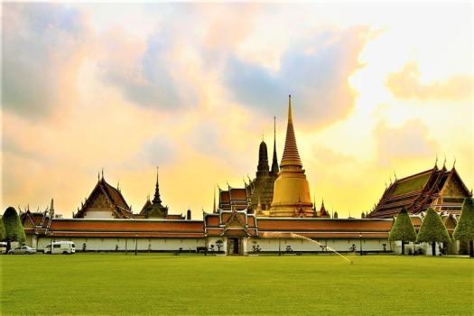 temple-of-the-emerald-buddha-bangkok-thailand