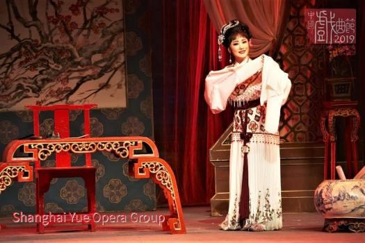 wang-zhi-ping-performing-yue-opera