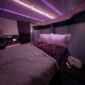 aviation-qatar-Qsuite - Double bed
