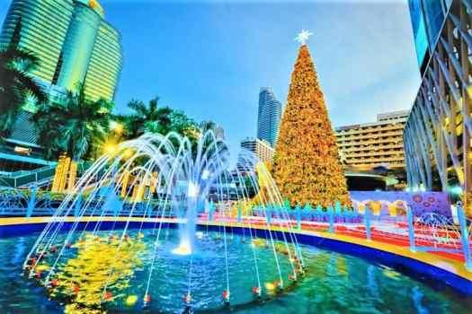 bangkok-thailand-world-of-happiness-Christmas-decorations