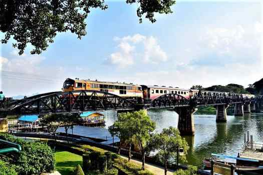 train-crossing-river-kwai-bridge