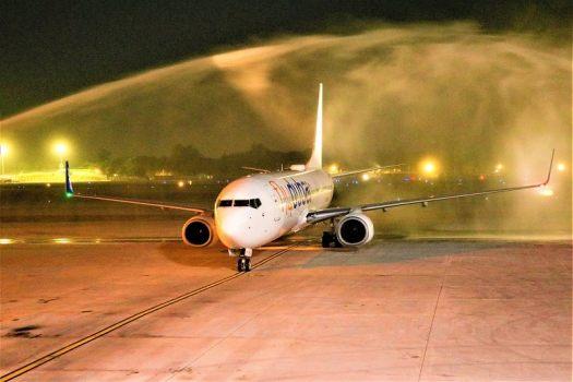 flydbai-lands-at-yangon-international-airport