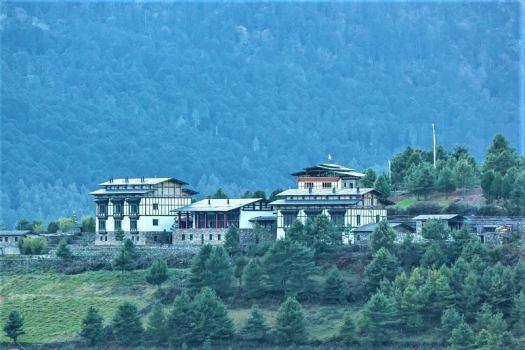 bhutan-boutique-hotel-gamtey-lodge-exterior
