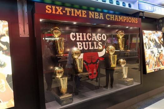 chicago-bulls-trophy-case