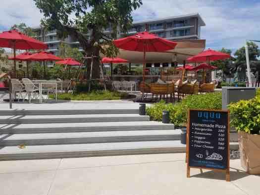 aqua-eatery-and-bar-near-the-swimming-pool
