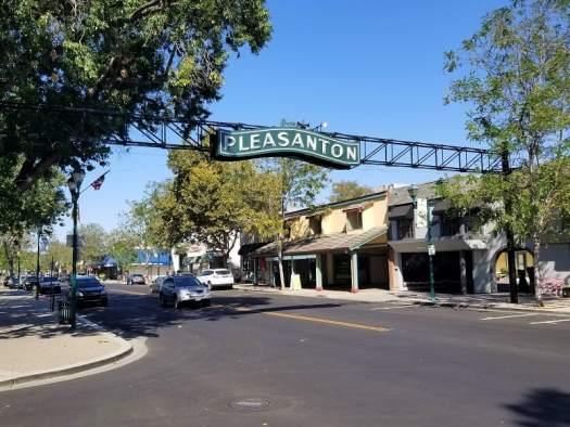 sign-in-downtown-pleasanton