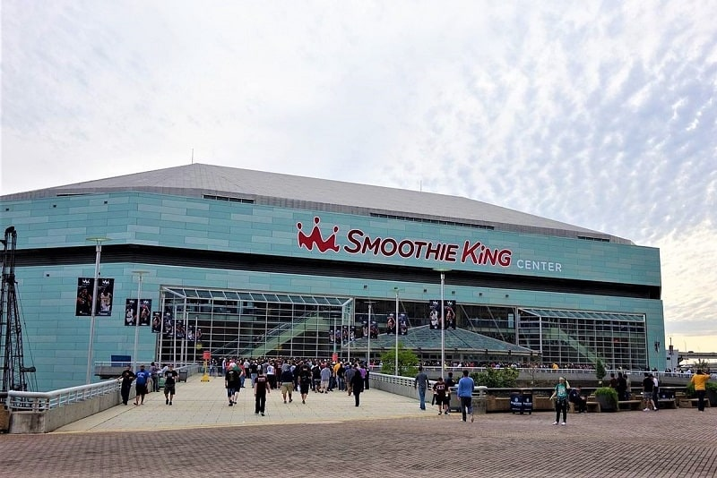 smoothie-king-center-exterior