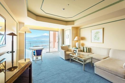 Wyndham-Grand-Awashima-hotel-guest-room