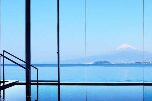 view-of-mount-fuji-from-onsen