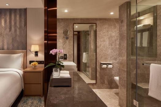 hong-kong-jw-marriott-marble-clad-bathroom