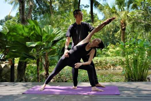 yoga-class-at-koh-lanta-resort