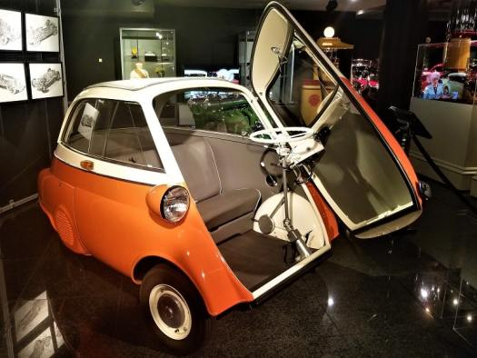 tiny-car-with-front-door