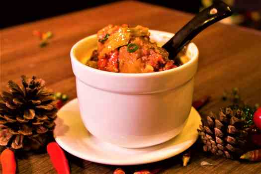 hot-and-sour-soup-with-oxail